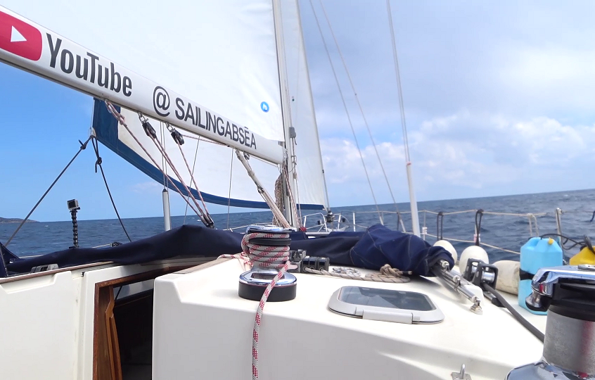 Sails out 2