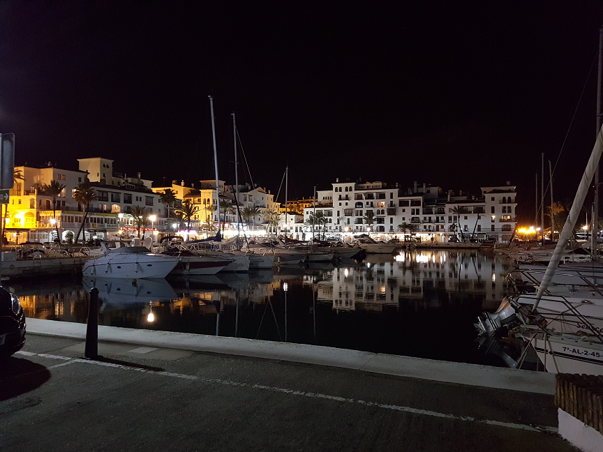 La Duquesa Marina at night