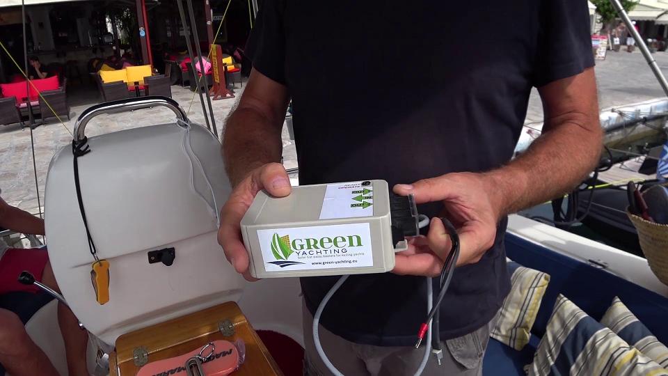 Solar green smart hot water heating system
