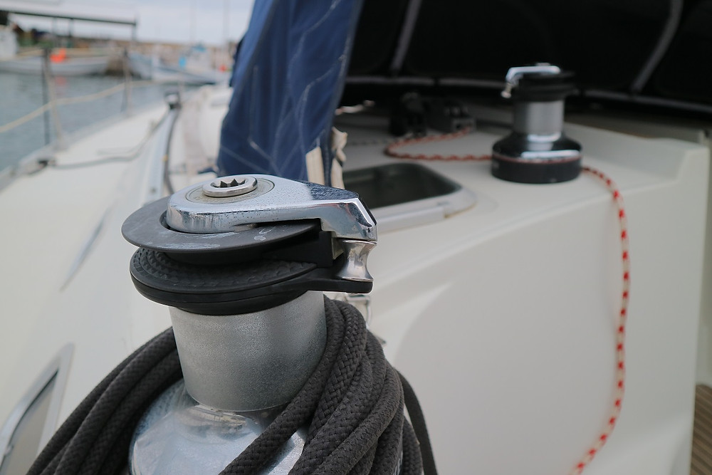 Harken 53 self tailing winch