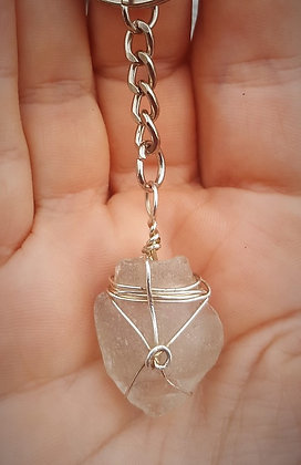 Keyring Urn-shaped clear seaglass
