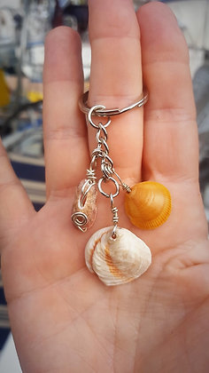 Keyring Three Orange Shells