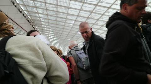 Pushing through people at Charles de Gaulle airport