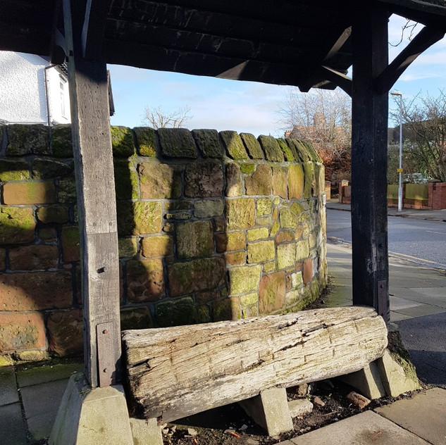Old log seat in Bebington