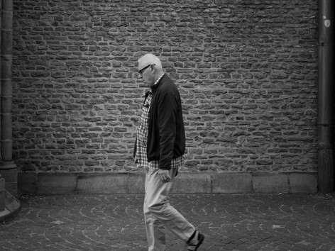 Walk A lone