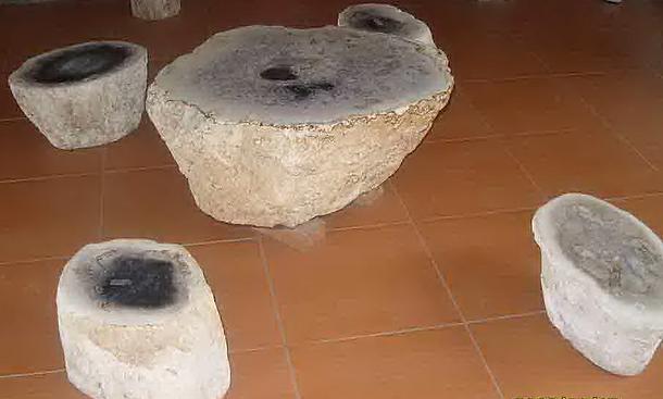 Petrified Palm Root Stump Table Set.png