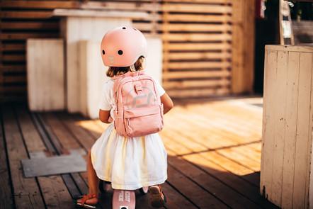 BACKPACK-ROSE-BACK-GIRL 2.jpg