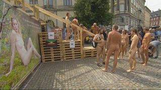 TV2 Lorry: Bertel Haarder kæmper for kunst og bare bryster