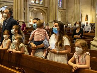 Missa não é passiva, diz Papa: fiéis devem envolver-se
