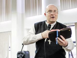 Artigo de Dom Peruzzo sobre Bíblia e Catequese sai em revista da CNBB