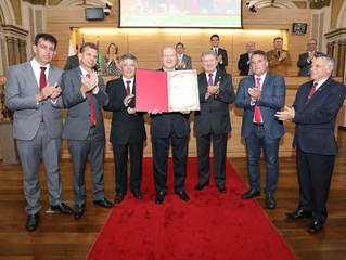 Dom Peruzzo recebe título de cidadão honorário de Curitiba