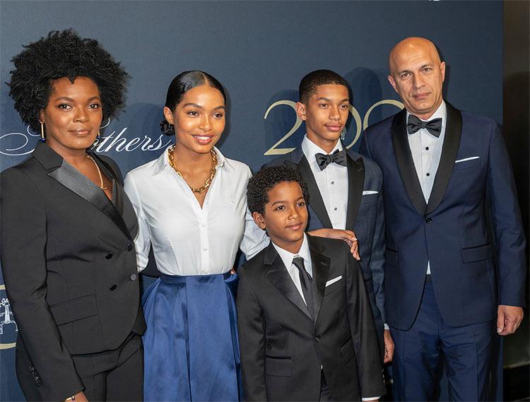 Yara Shahidi with Family