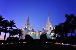 San_Diego_LDS_Temple,_twilight.jpg