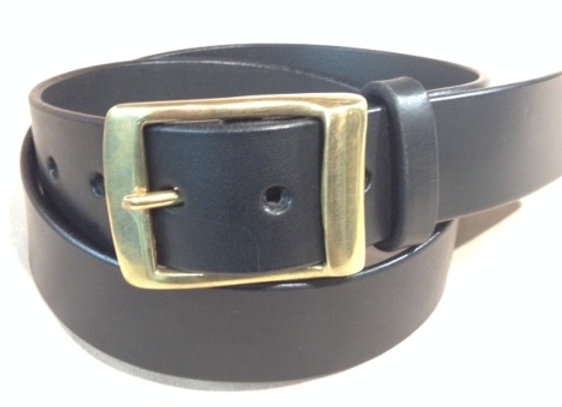 "1 1/2"" black saddle leather & brass keeper buckle"