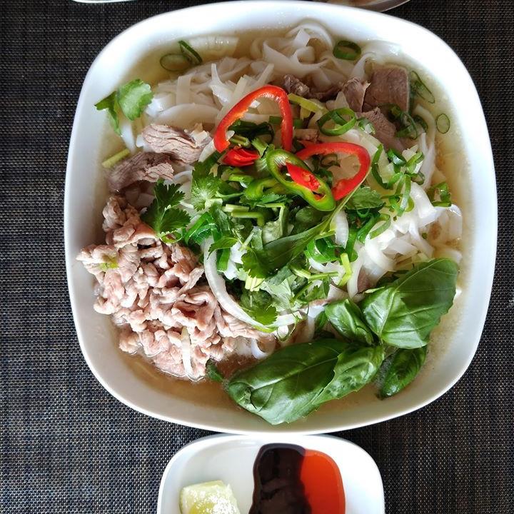 Rijst Noedels Soep met Rundvlees (Phở Bò)