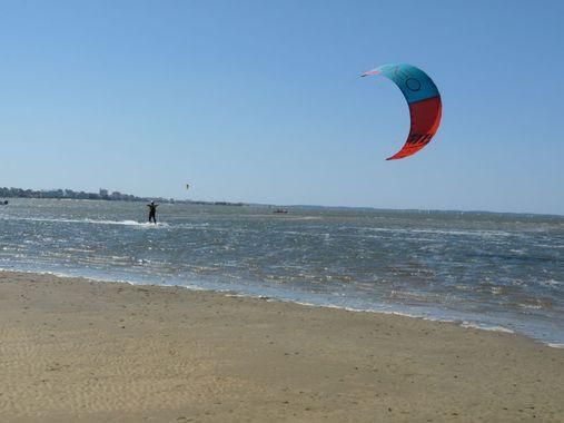 Kite surf sur le Bassin