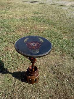 Bulls-eye Table