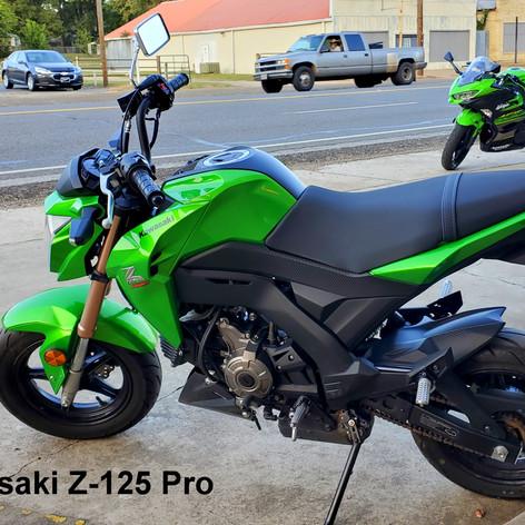 2017 Kawasaki Z-125 Pro.   (2111)   RXM