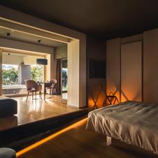 Suite, Exclusive House e Prenotazione