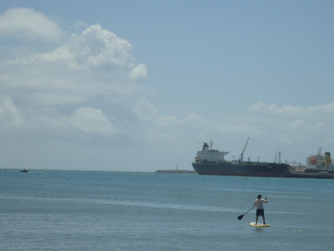 Esportes e negócios à beira mar