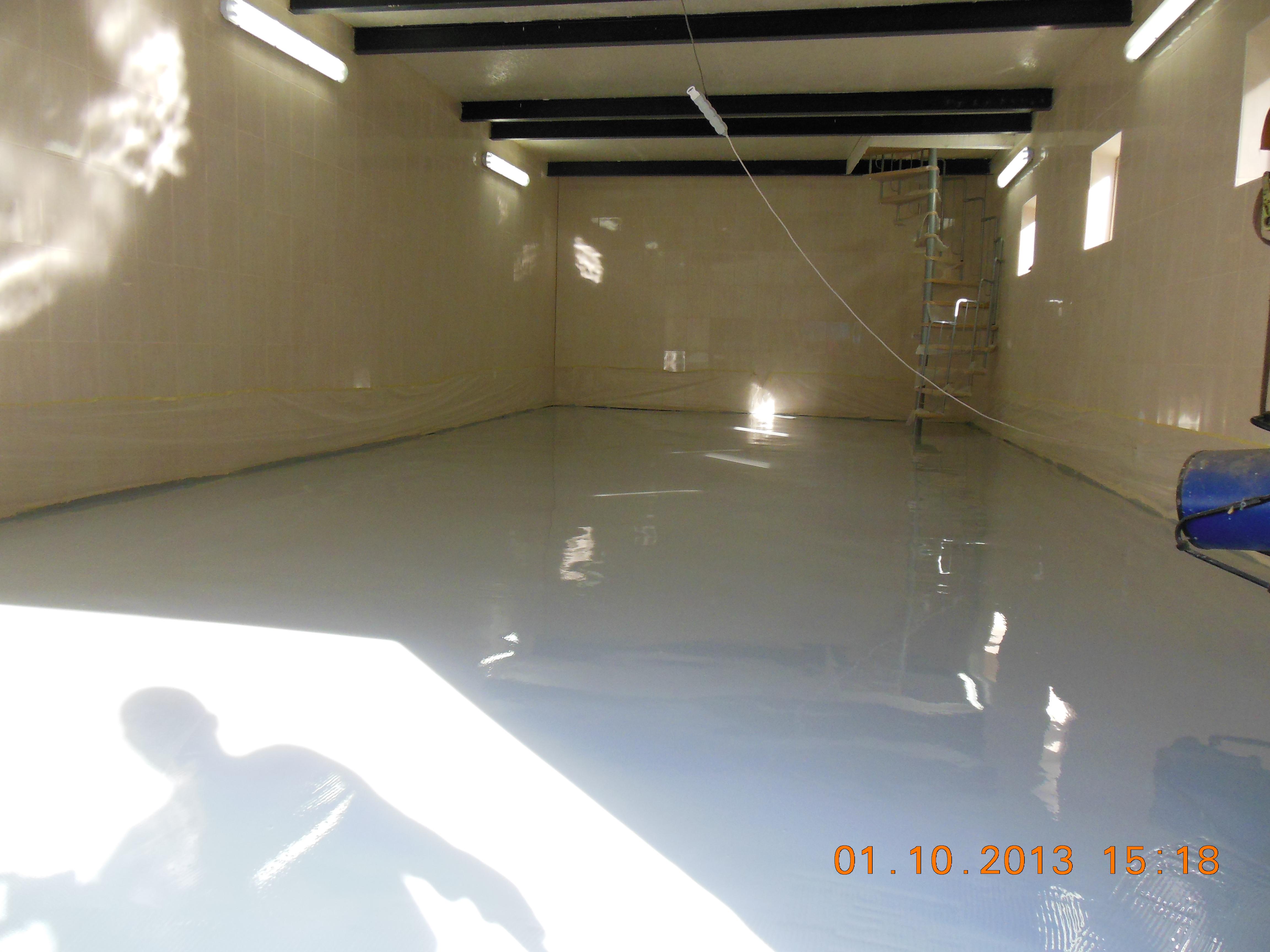 Вот такой пол можно получить в гараж