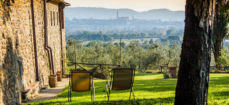 borgo-il-palazzo-vista-arezzo_1.jpg