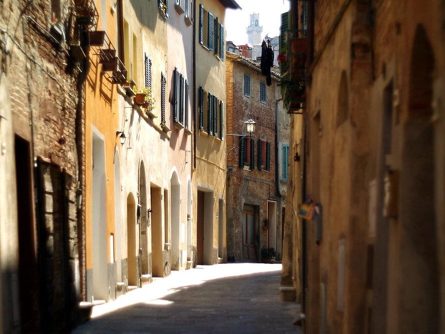 montepulciano-4793550_960_720_edited.jpg
