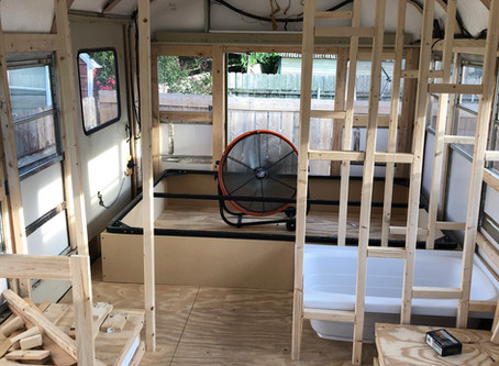 Rou Bus- Day 115: It's starting to look like a camper!