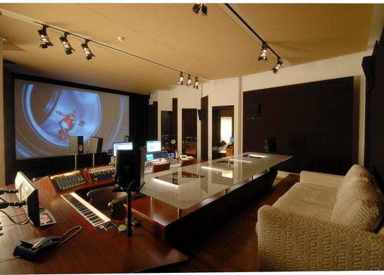 Prime Studio, Tonregie mit Blick von links hinten