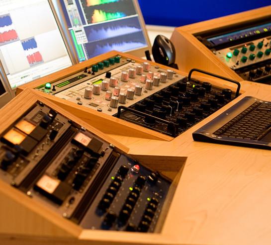studio02.jpg