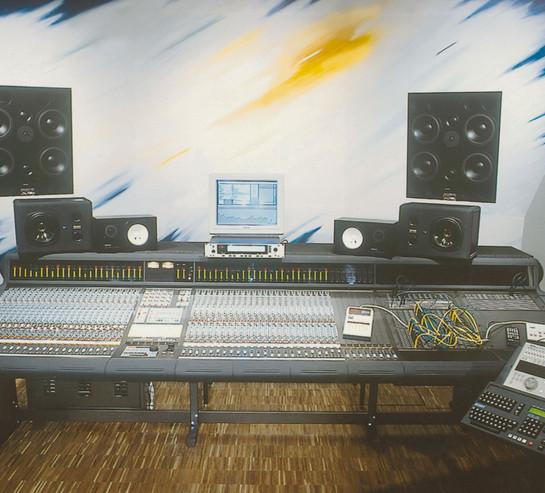 Media House Regie1-300.jpg