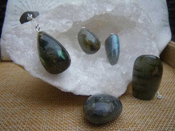 Pendentifs Labradorite et pierres polies