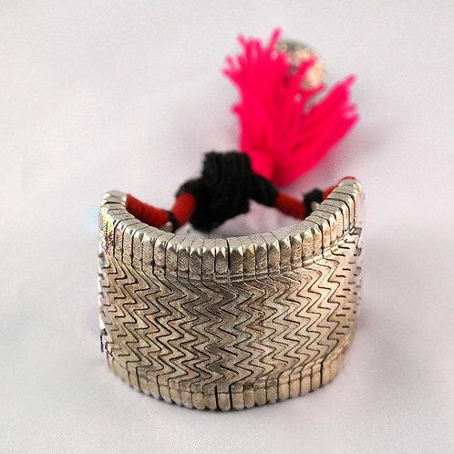 Silver cuff bracelet Bihar Baju with counterweight - pink