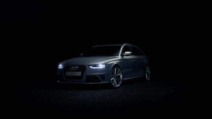 Audi_RS4_Dark_Road.jpg