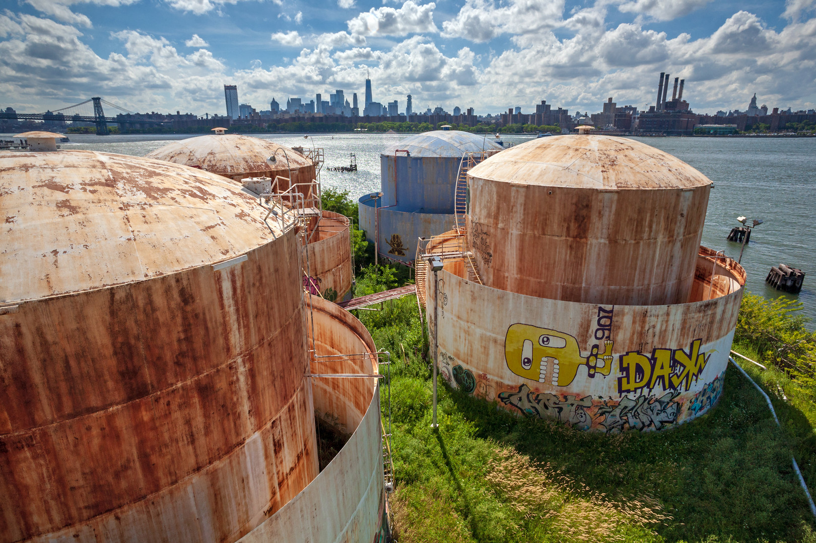 THE-TANKS-at-Bushwick-Inlet-Park-2.jpg