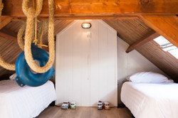 Cosy sleeping loft, kids only!