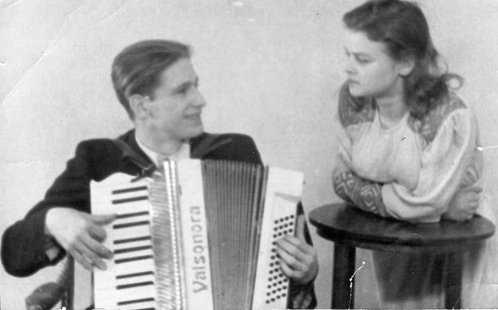 Nina and Gena, 1953