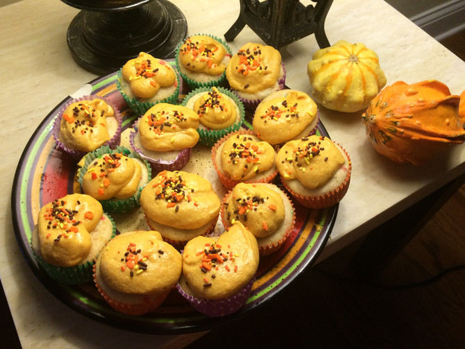 Halloween Griffin Cupcakes with Pumpkin Cheesecake Frosting