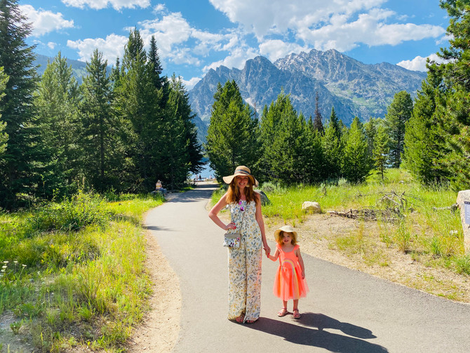 On Top of the World: Grand Tetons, Old Faithful and the Incredible Colors of Yellowstone