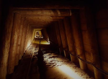 哈萊恩鹽礦的光影