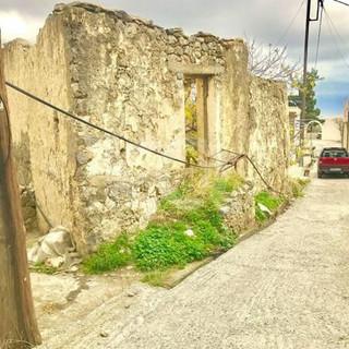 House needing renovation for sale Crete, Greece.