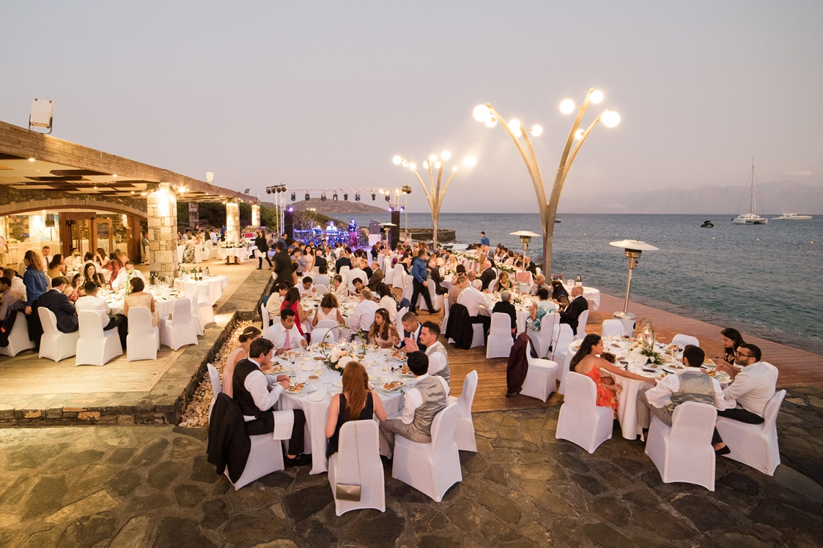Wedding Crete, Greece. Dinner by the sea.