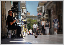 Busker, Heraklion, Crete, Greece