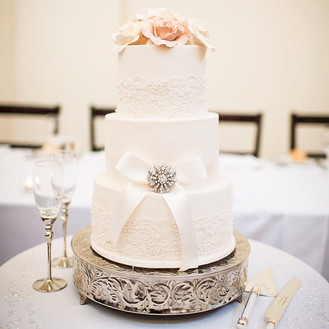Lace and fondant wedding cake