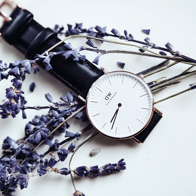 The Classic Sheffield Lady is such a beautiful and yet timeless minimalistic piece