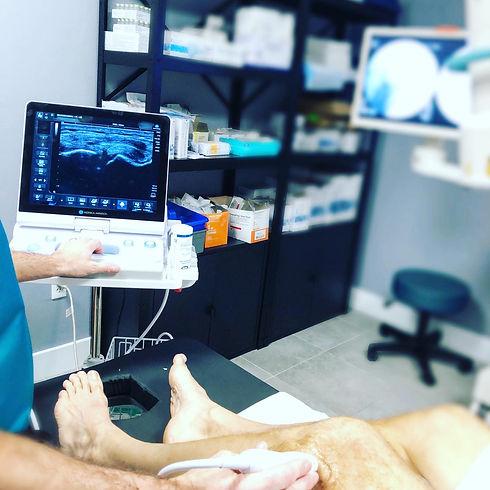 knee meniscus ultrasound setup.jpg