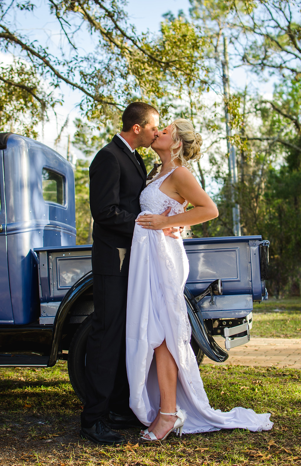 Antique car wedding portrait