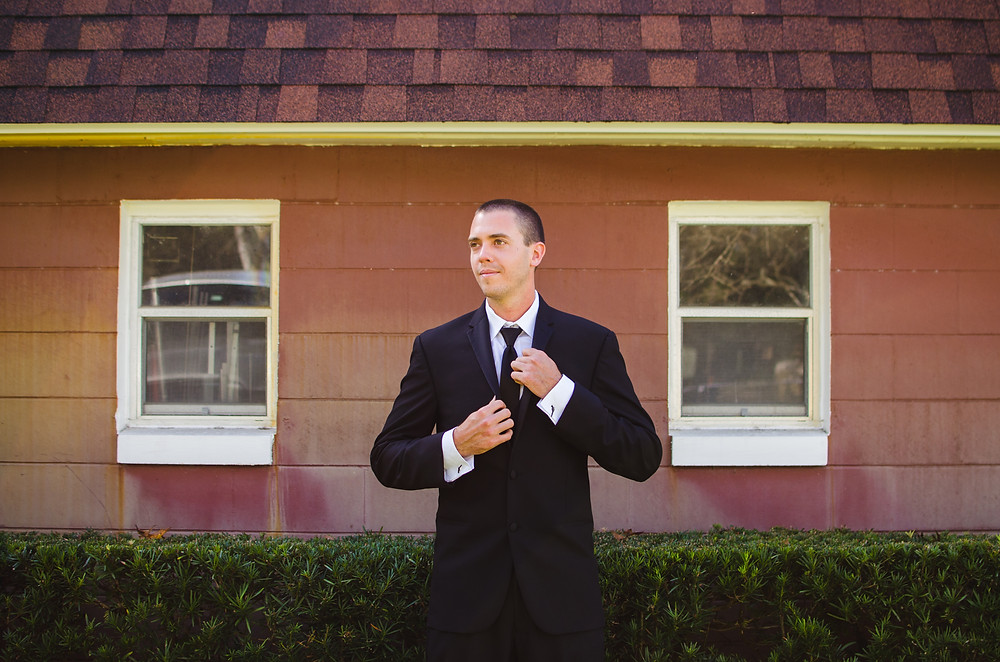 Groom portrait winter springs
