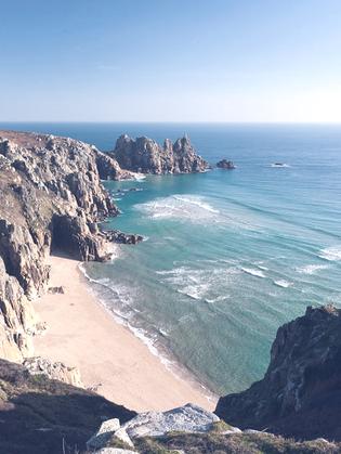 Ocean Drive: Weekend in Cornwall