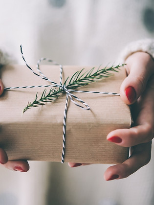 A Christmas Gift Guide For Interior Lovers